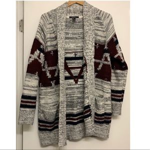 Forever 21 Gray Aztec Print Cardigan size large